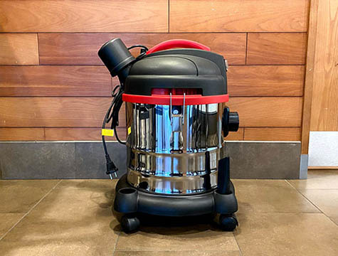 How to Use the Industrial Vacuum Cleaner?